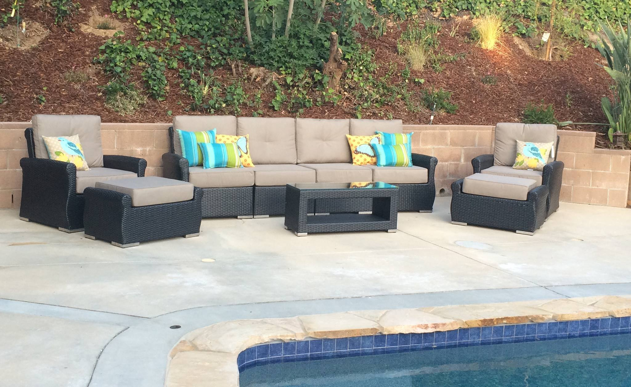 ohana-luxury-collection-patio-seating-set